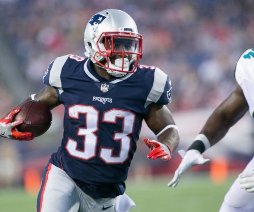Dion Lewis: Teams reaching out to New England Patriots about running back