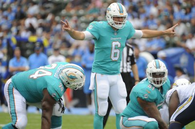 Zach Sterup: Miami Dolphins sign Cleveland Browns practice squad OT