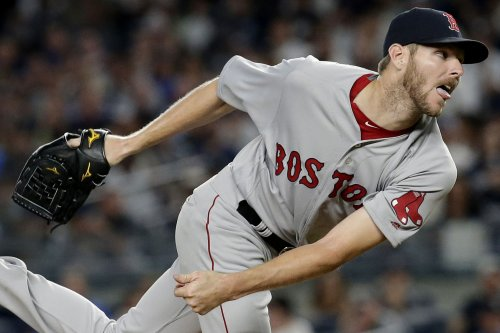 Red Sox's Chris Sale takes comebacker to hip