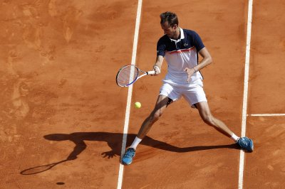 Russian Daniil Medvedev upsets world No. 1 Novak Djokovic
