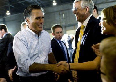 Romney aces primary tests with 5 wins