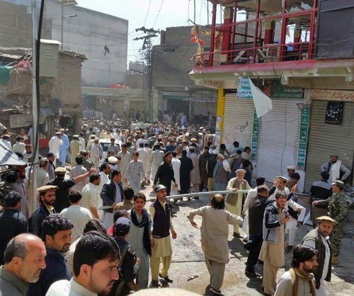 Pakistani Taliban faction kills 22 in Shiite mosque bombing