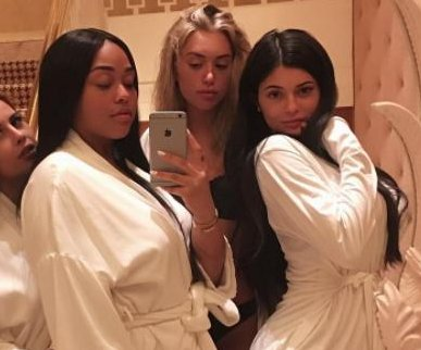 Kylie Jenner returns to Instagram after pregnancy reports