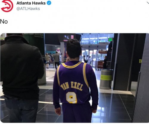 Hawks troll Lakers by posting players from the past