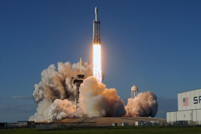 SpaceX Falcon Heavy's third launch set for Monday night in Florida