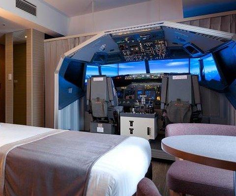 Tokyo hotel offering room with a flight simulator