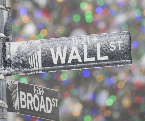 Dow Jones hits record high, rising for fourth session out of five