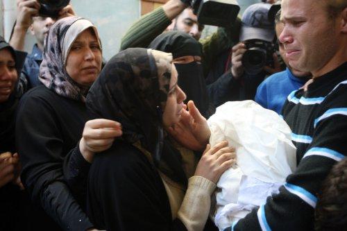 Morsi calls leaders to discuss Gaza crisis