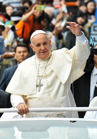 Pope Francis, Malala Yousafzai and Edward Snowden among Nobel Peace Prize candidates