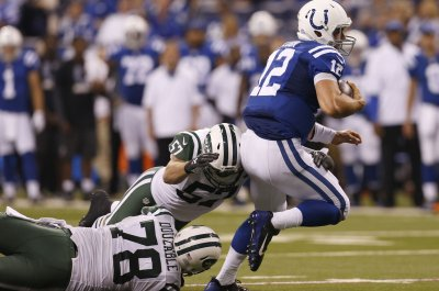 Indianapolis Colts QB Andrew Luck questionable vs. Patriots