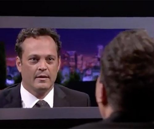 Vince Vaughn plays Box of Lies with Jimmy Fallon