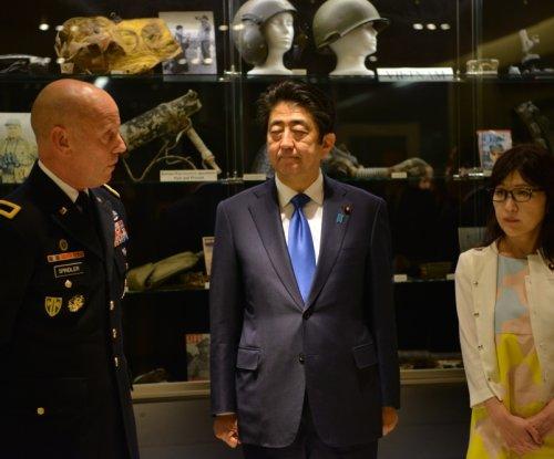 Japan's Shinzo Abe to raise Senkaku Islands issue during U.S. visit