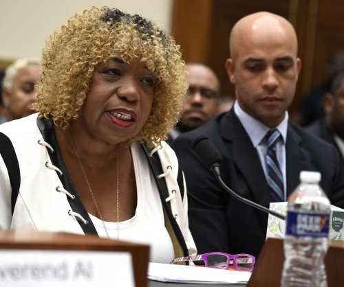 Mother of Eric Garner calls for federal legislation on excessive use of force by police