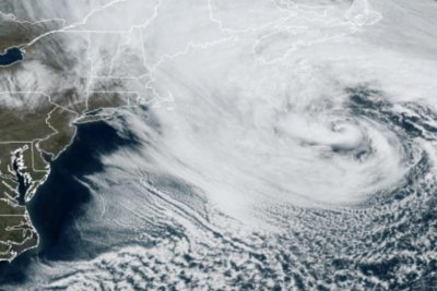 Meteorologists keep eye on Atlantic Ocean storm churning off East Coast