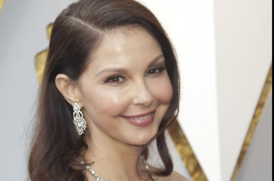 Ashley Judd recovering from 'castastrophic' leg injury