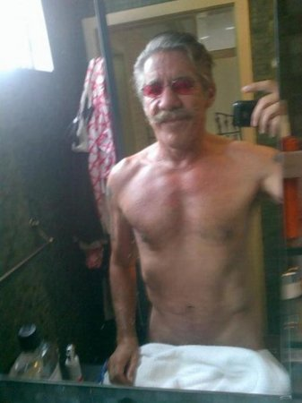 Geraldo Rivera posts semi-nude 'selfie' to Twitter