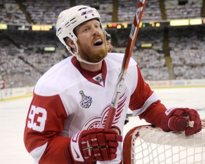 Wings' Franzen out four months