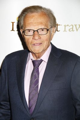 <b>Larry King</b> is glad he is not at CNN for 'absurd' plane coverage - Larry-King-is-glad-he-is-not-at-CNN-for-absurd-plane-coverage