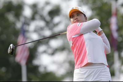 Inbee Park holds 1-shot lead at Ochoa Invite