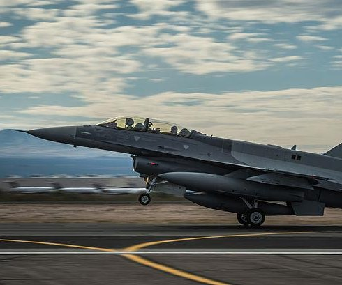 Iraq approved for $1.9B F-16 weapons/munitions buy