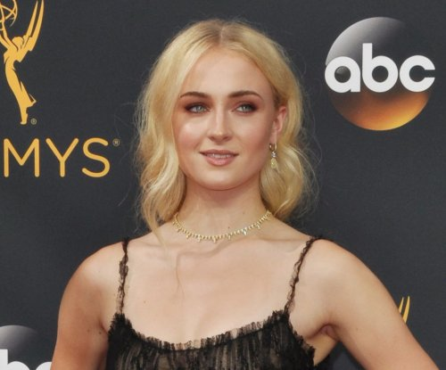 'Game of Thrones': Sophie Turner, Maisie Williams reveal matching tattoos