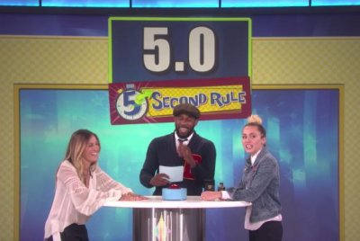Miley Cyrus, Sarah Jessica Parker share secrets playing 5 Second Rule on 'Ellen'