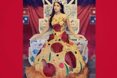 Designer's mouth-watering prom dress inflates into a pizza
