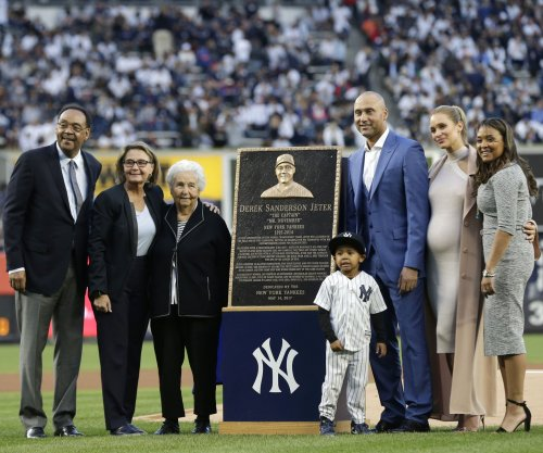 Derek Jeter crushes nephew's New York Yankees dream