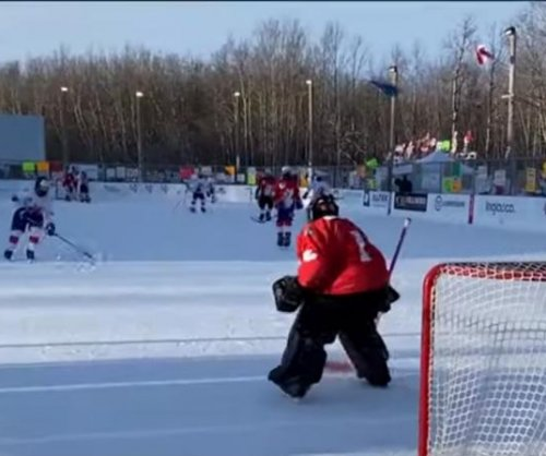 World's longest hockey game ends after 252 hours in Canada