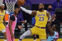 LeBron James tries to bring home lost son in 'Space Jam' trailer