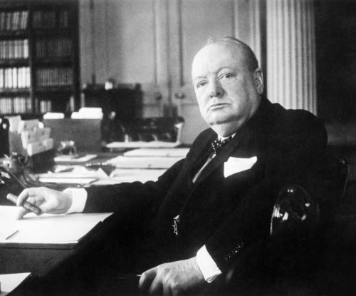 Chamberlain out, Churchill agrees to form new British government