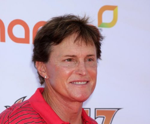 Bruce Jenner wasn't chased by paparazzi before fatal crash, say police