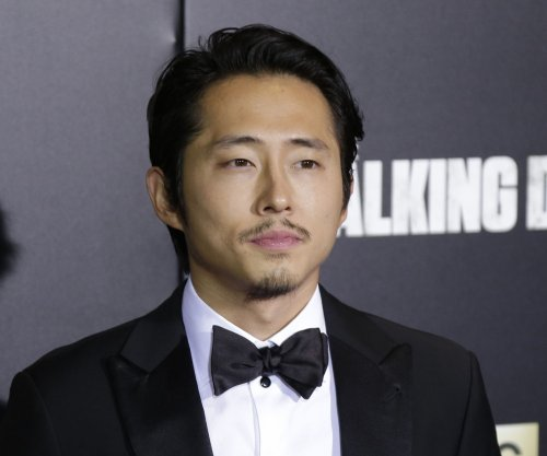 'Walking Dead's Steven Yeun, Norman Reedus come to drivers' aid after car crash