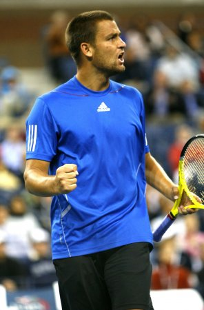 Youzhny moves to St. Petersburg 2nd round