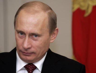 Russia strikes back at EU and U.S., bans food imports