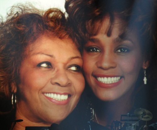 Cissy Houston says Bobbi Kristina Brown 'isn't progressing at all'