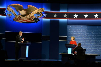 Many pro-Trump hashtags after first debate made by 'tweetbots,' study says