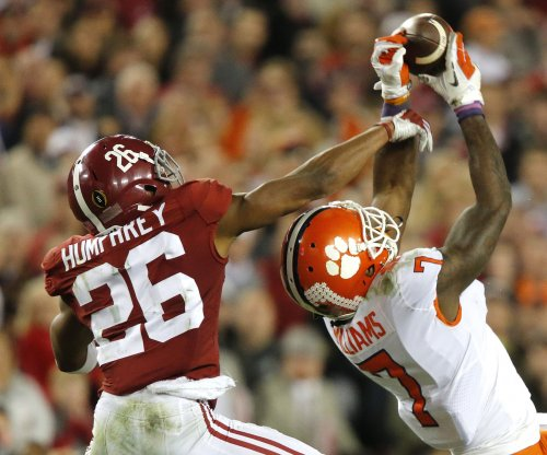 Baltimore Ravens sign first-round draft choice CB Marlon Humphrey, four other draft picks