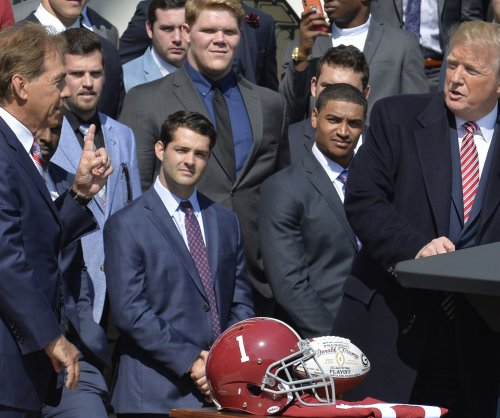 Alabama Crimson Tide football team visits White House