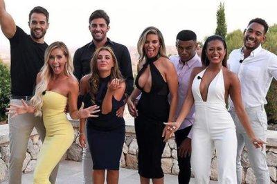 'Love Island': CBS orders hit international reality series