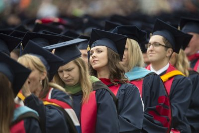 Poll: Graduates who land good jobs sooner earn more to pay debt