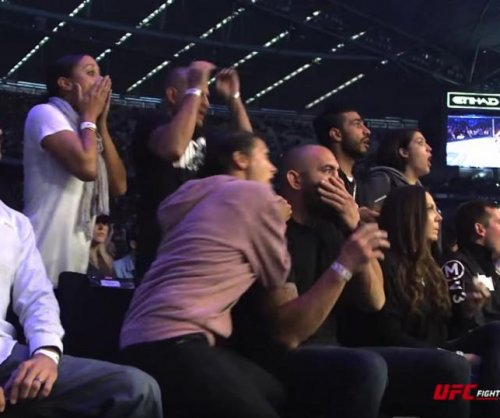 Ronda Rousey family, friends stunned by knockout in UFC video