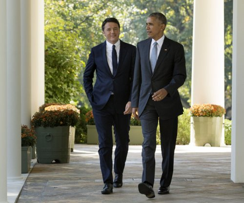Obama hosts Italian PM for final state dinner; jabs 'whining' Trump