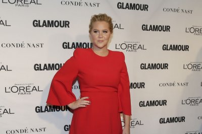 Amy Schumer reunites with Jennifer Lawrence in new photo