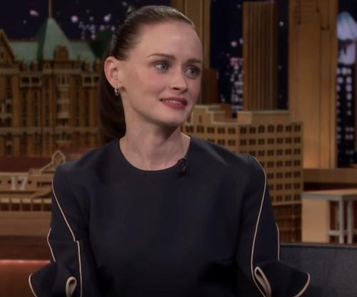 Alexis Bledel says 'Sisterhood of the Traveling Pants 3' was pitched