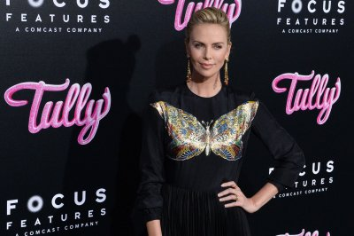 Charlize Theron says she gained 50 pounds for 'Tully'