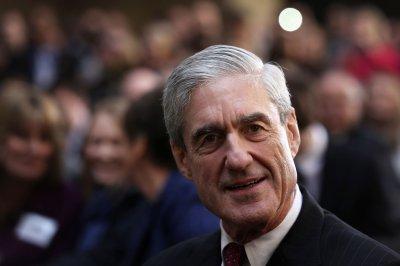 Senate panel approves bill to shield Mueller from firing