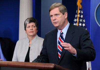 Napolitano, Vilsack to remain on Cabinet