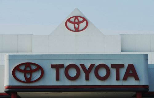 Toyota dealers making best of a sour deal