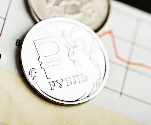 Russian economy contracts, first sign of recession